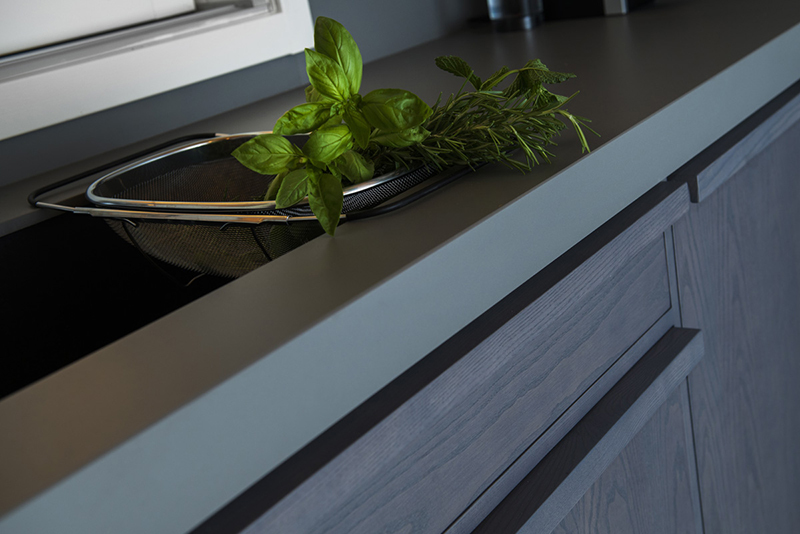 Neolith Humo worktop in 12mm and splashback in 6mm_Residential House Rome, Italy (2)