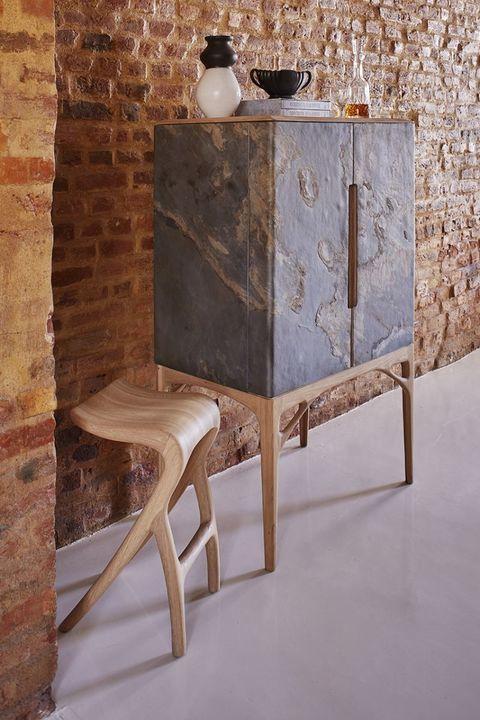 Meyer_von_Wielligh_Stone Cabinet_Showroom