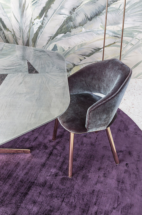 Clan Milano_Molecole table and Molly chairs_02
