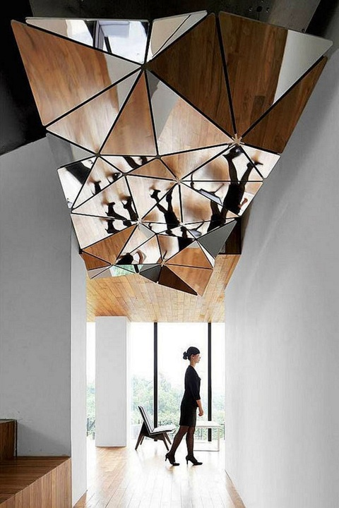 complex-mirror-structure-on-a-ceiling-is-a-really-unqiue-desing-solution-for-any-room