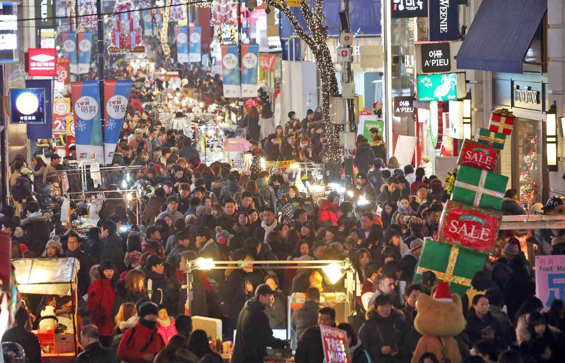 Sightseeing spots in Seoul - visitors from Asia prefer Myeongdong, westerners like royal palaces in Seoul