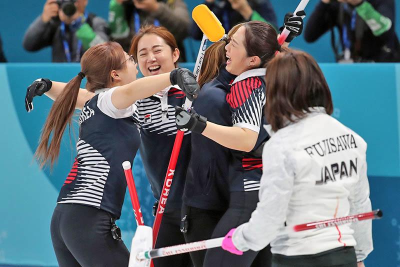South Korea's 'Garlic Girls' overpower Japan, Gold In Reach