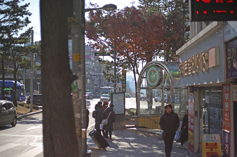 Best place for shopping in Seoul, from Korean clothes to cosmetics! #Ewha Woman's University #Ewha shopping street