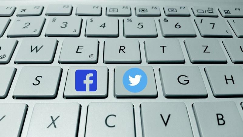 Debo usar Facebook o Twitter? Debo usar ambas?