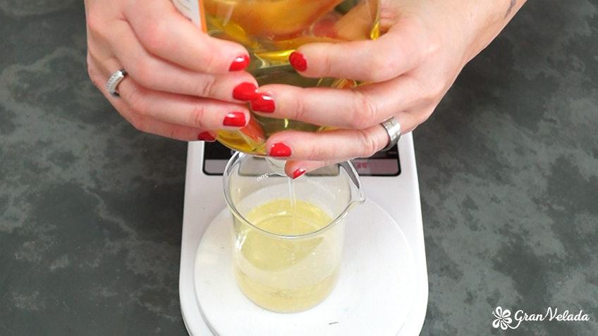 Como hacer aceite para masajes reductores