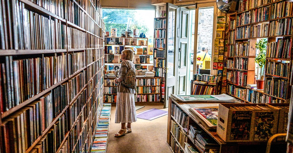 Featured Image Woman in Bookstore