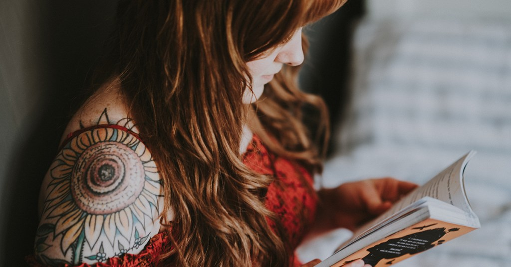 Featured Image Women Reading Tattoo