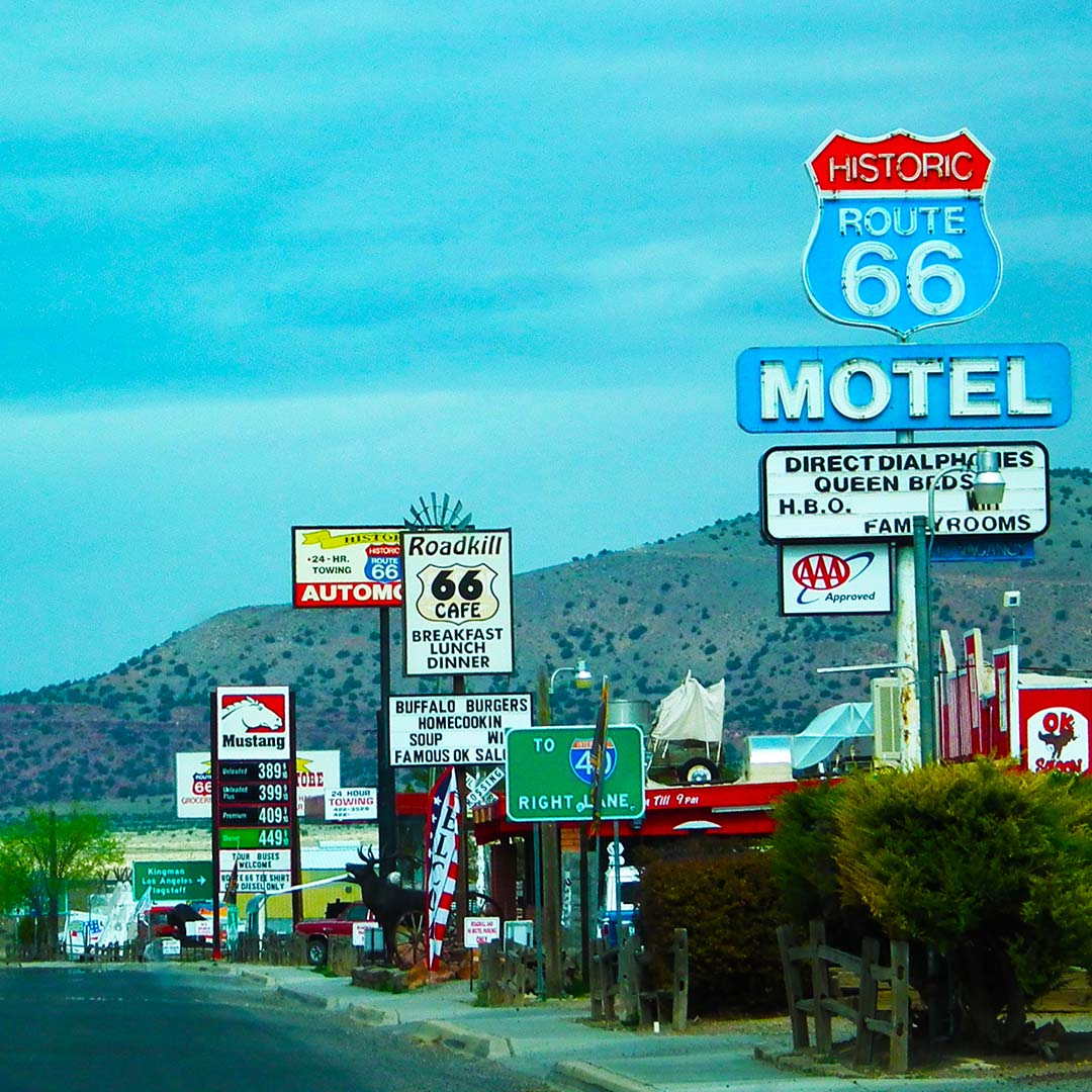 Seligman AZ, photo ©Sam Topping