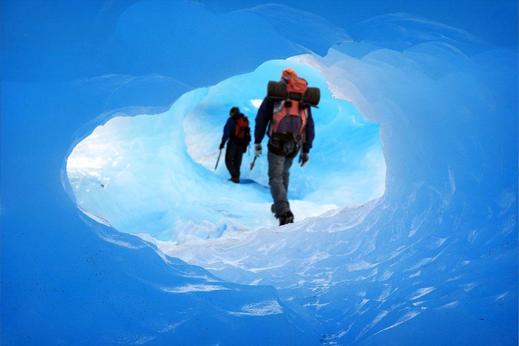Climbers at Glaciar Perito Moreno