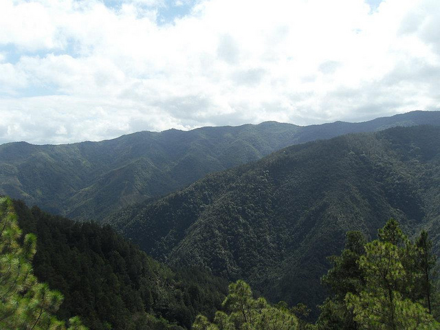 View along the mountain range while hiking Pico Duarte.