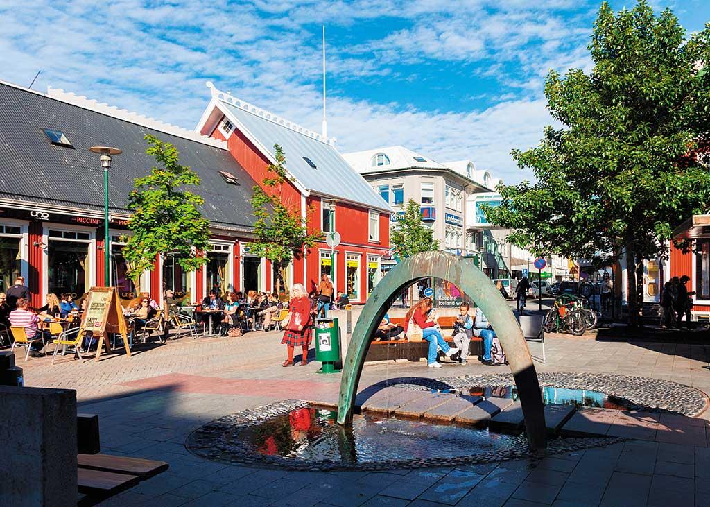 A lively square in Reykjavík