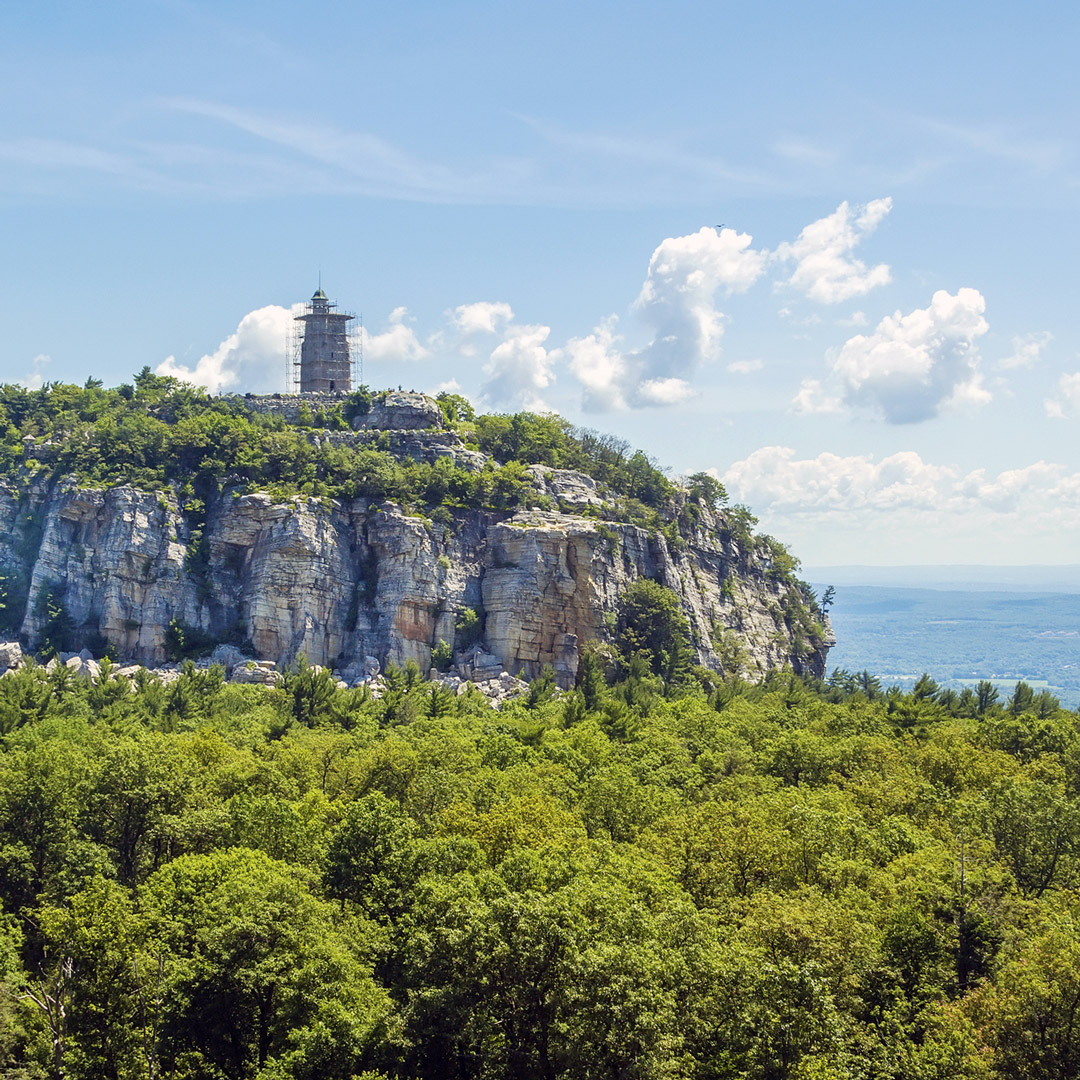 rocky outcropping in mohonk preserve