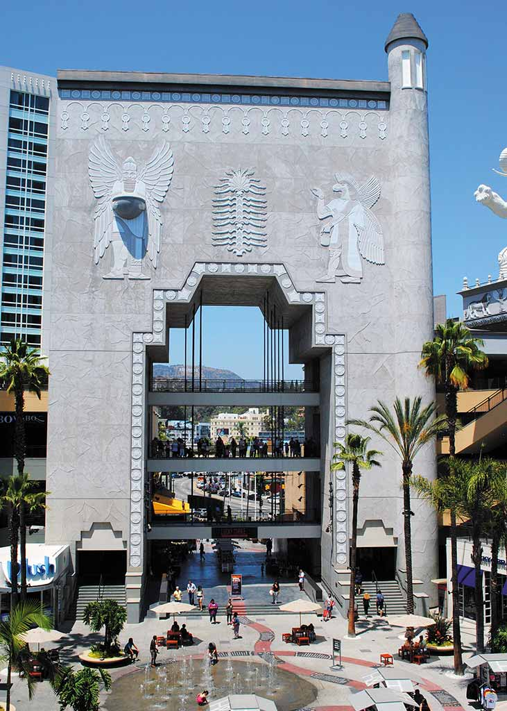 Hollywood Boulevard. Photo © Lisa Robinson/The Department of Creativity.