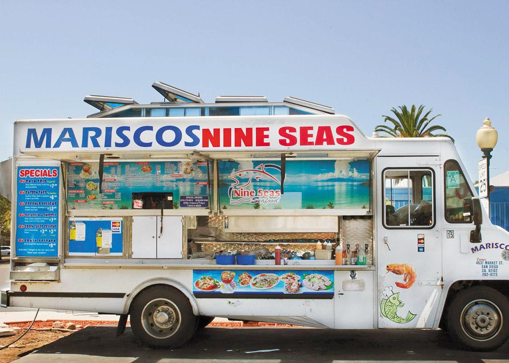 Mariscos Nine Seas taco truck