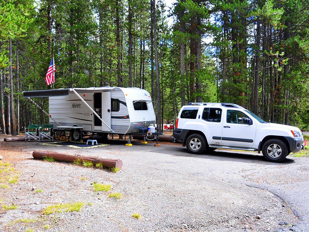 full hookup Camping i Yellowstone James Atherton dating jorgie Porter