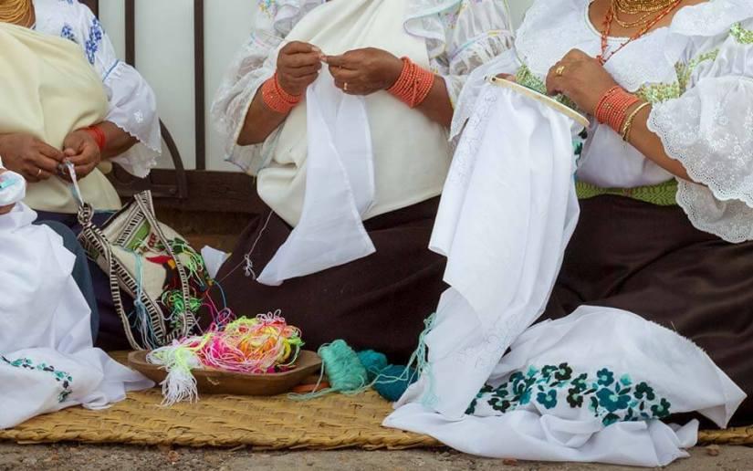 bordados-hacienda-pinsaqui-otavalo-ecuador