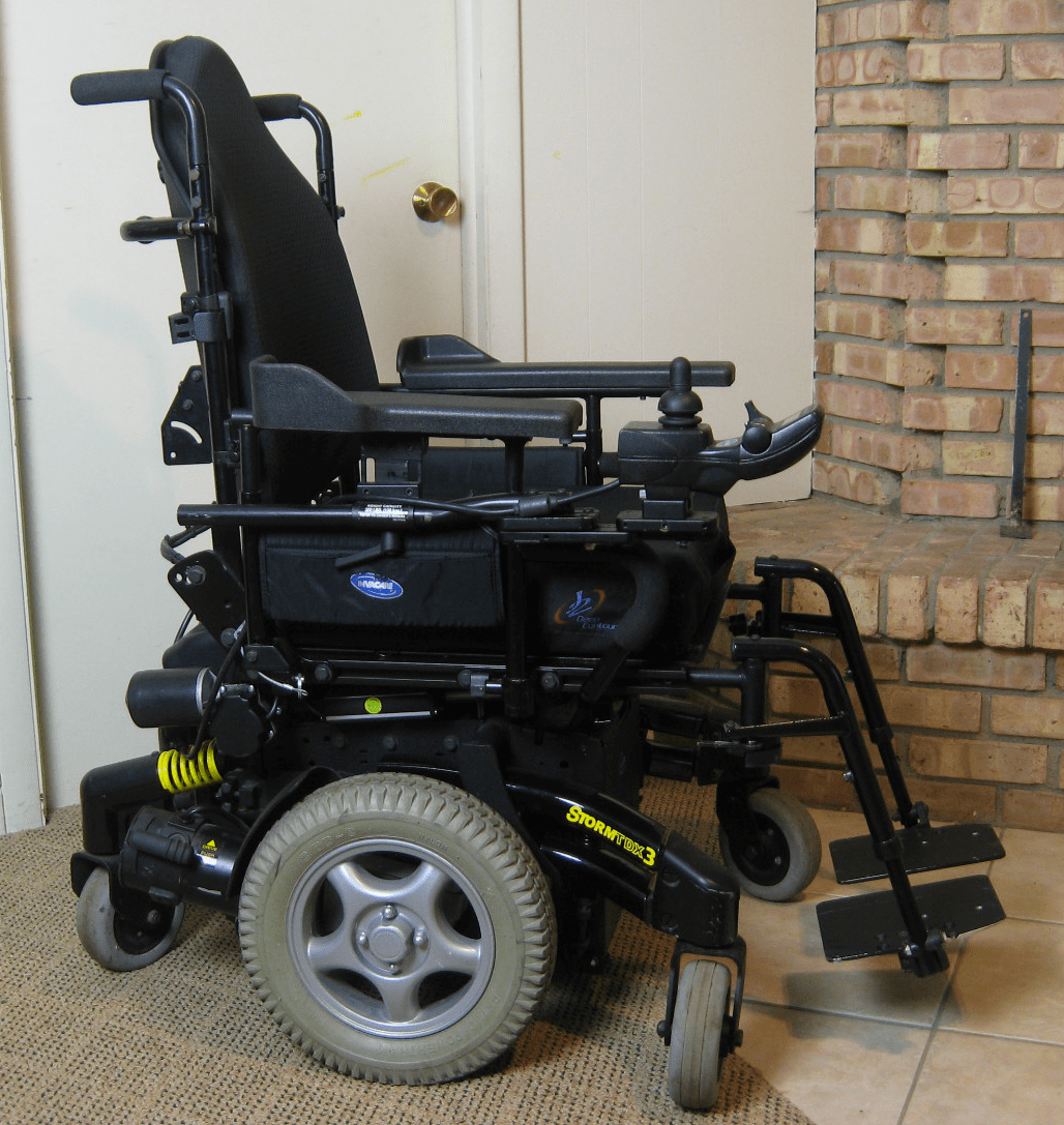 wheelchair used 2 chairs and table set powerchair  hacking sma