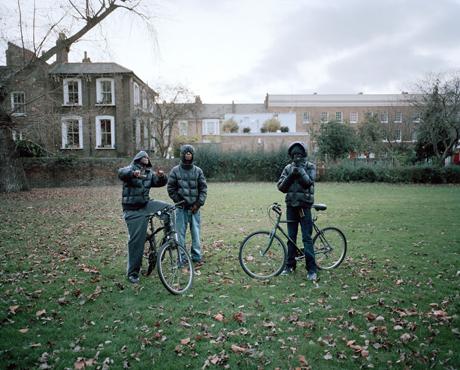 Zed Nelson, Youths in London Fields, Hackney. November 2011.