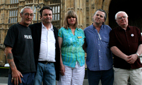 (L-R): Paddy Joe Hill, Gerry Conlon, Wendy Cohen (Sam Hallam's mother), Patrick Maguire and Billy Power Photo: © Josh Loeb