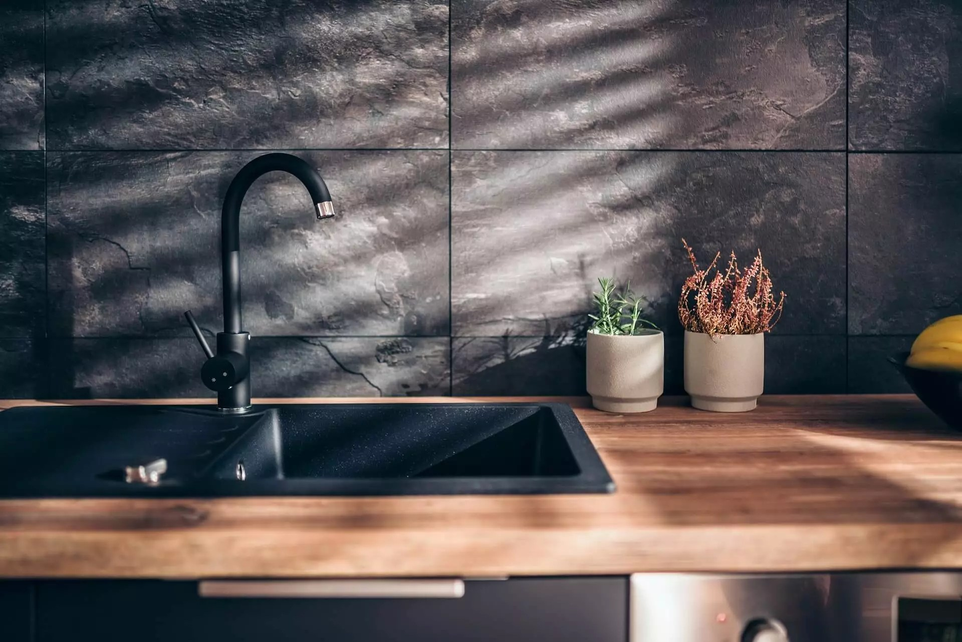 kitchen faucets and sinks trends 2021