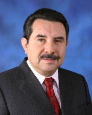 Dr. Antonio Flores