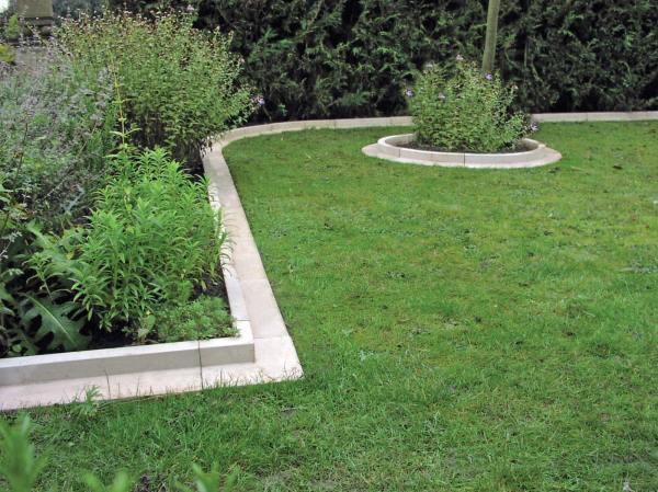 Arcadian Straight Lawn Edging Haddonstone