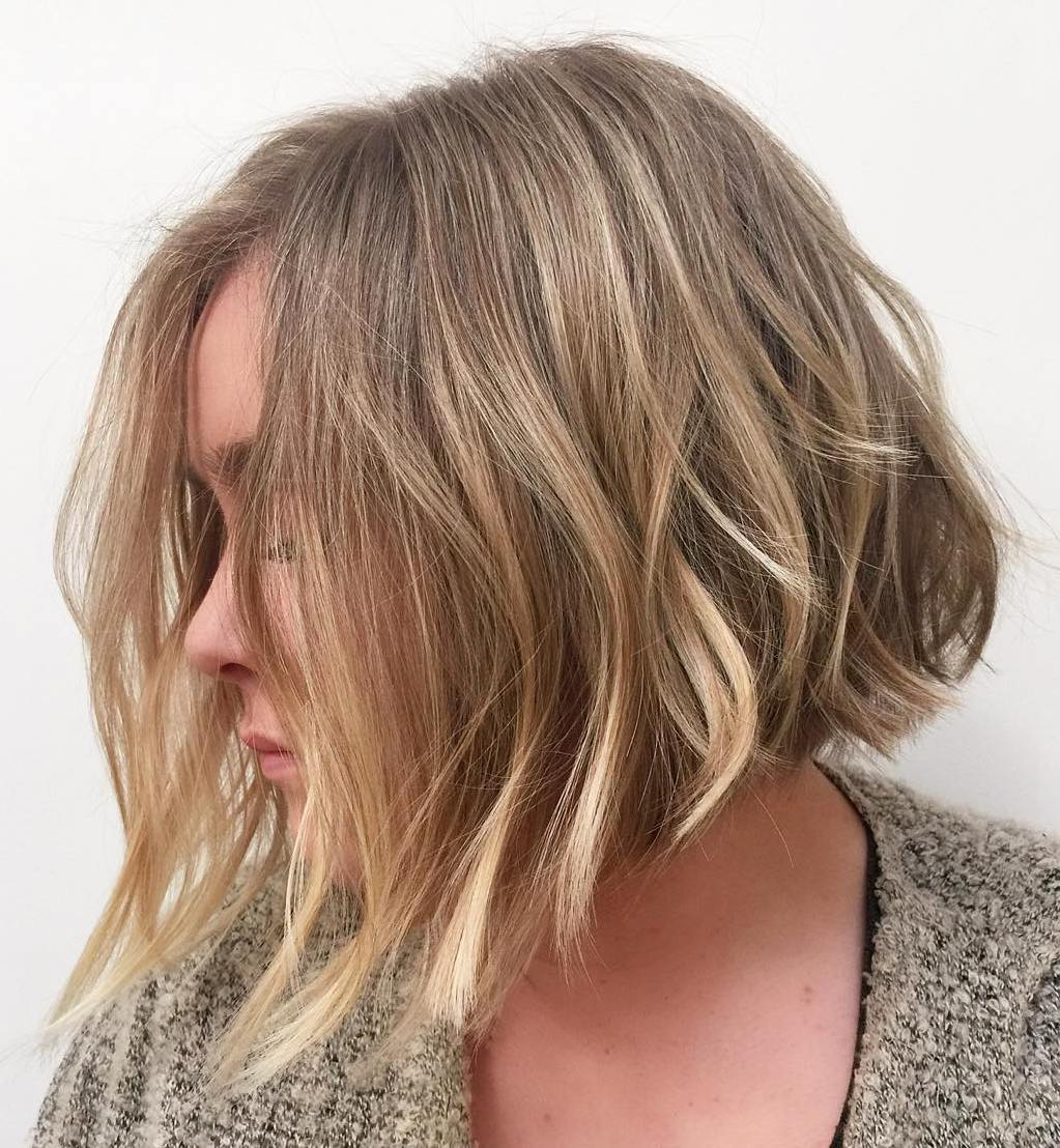 Choppy Angled Wavy Thick-Looking Bob