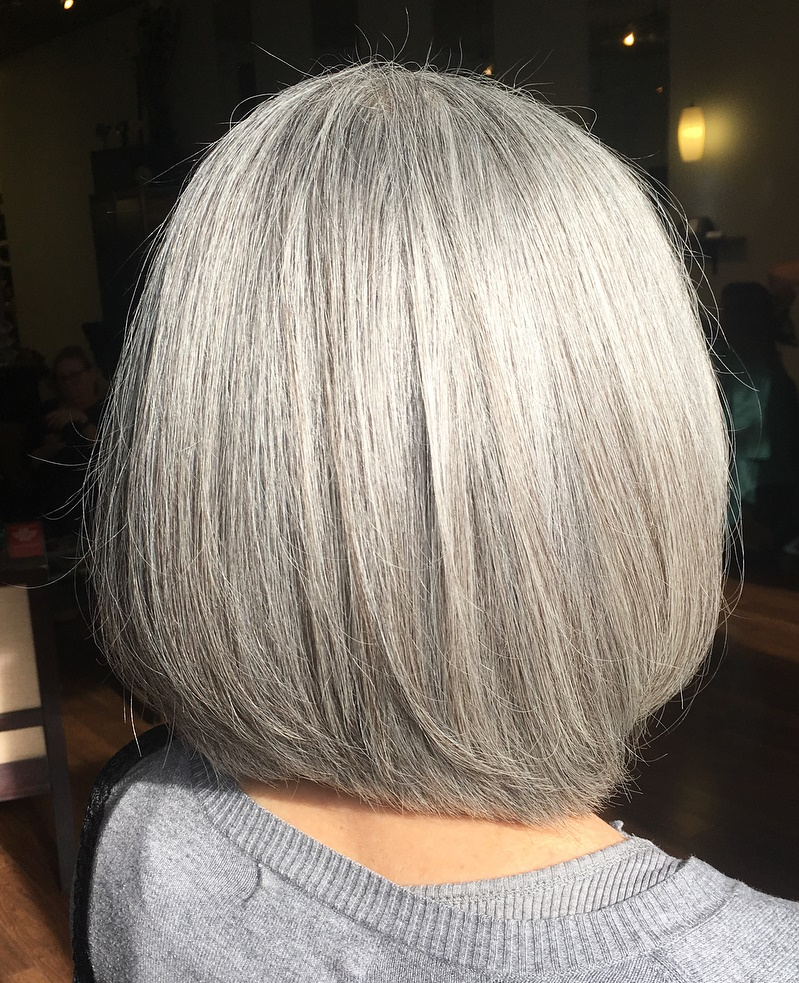 Medium Sleek Rounded Layered Gray Bob
