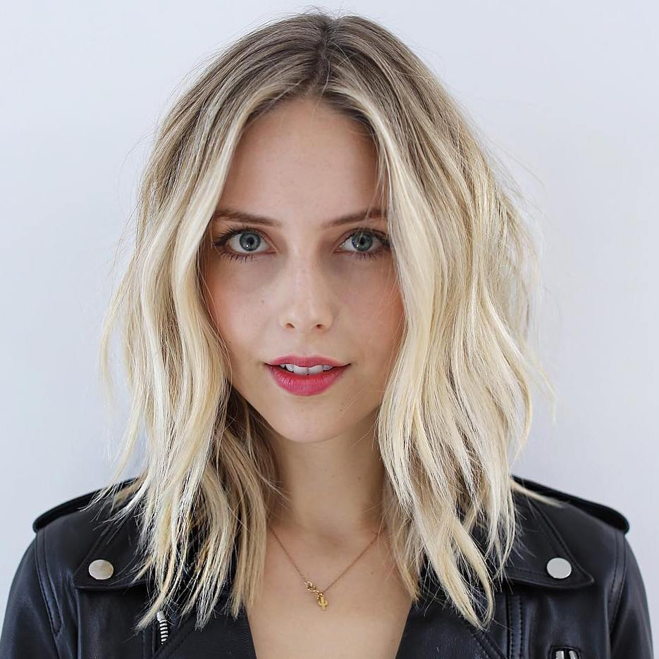 Thin Layered Blonde Lob with Dark Roots