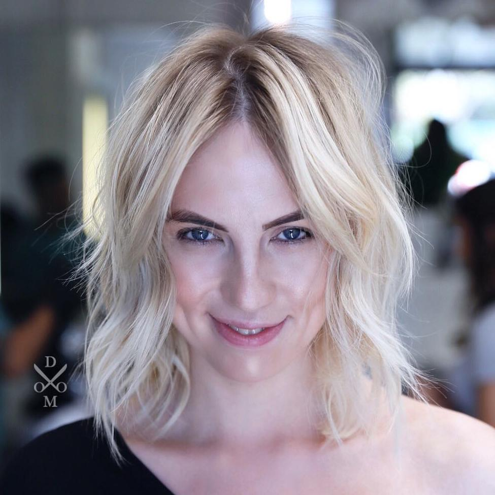 Blonde Messy Centre-Parted Bob for Thin Hair