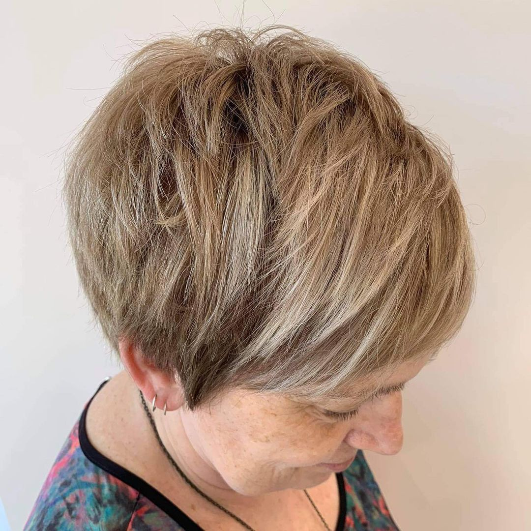Low-Maintenance Short Cute Layered Hairstyle