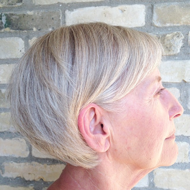Short Blonde Gray Hairstyle for Older Women