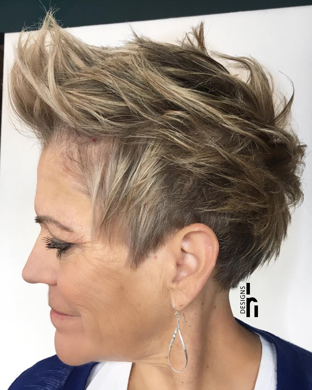 50+ Short Messy Ash Hairstyle for Fine Hair
