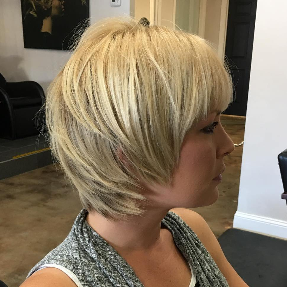 Short Shaggy Blonde Hairstyle for Thick Hair