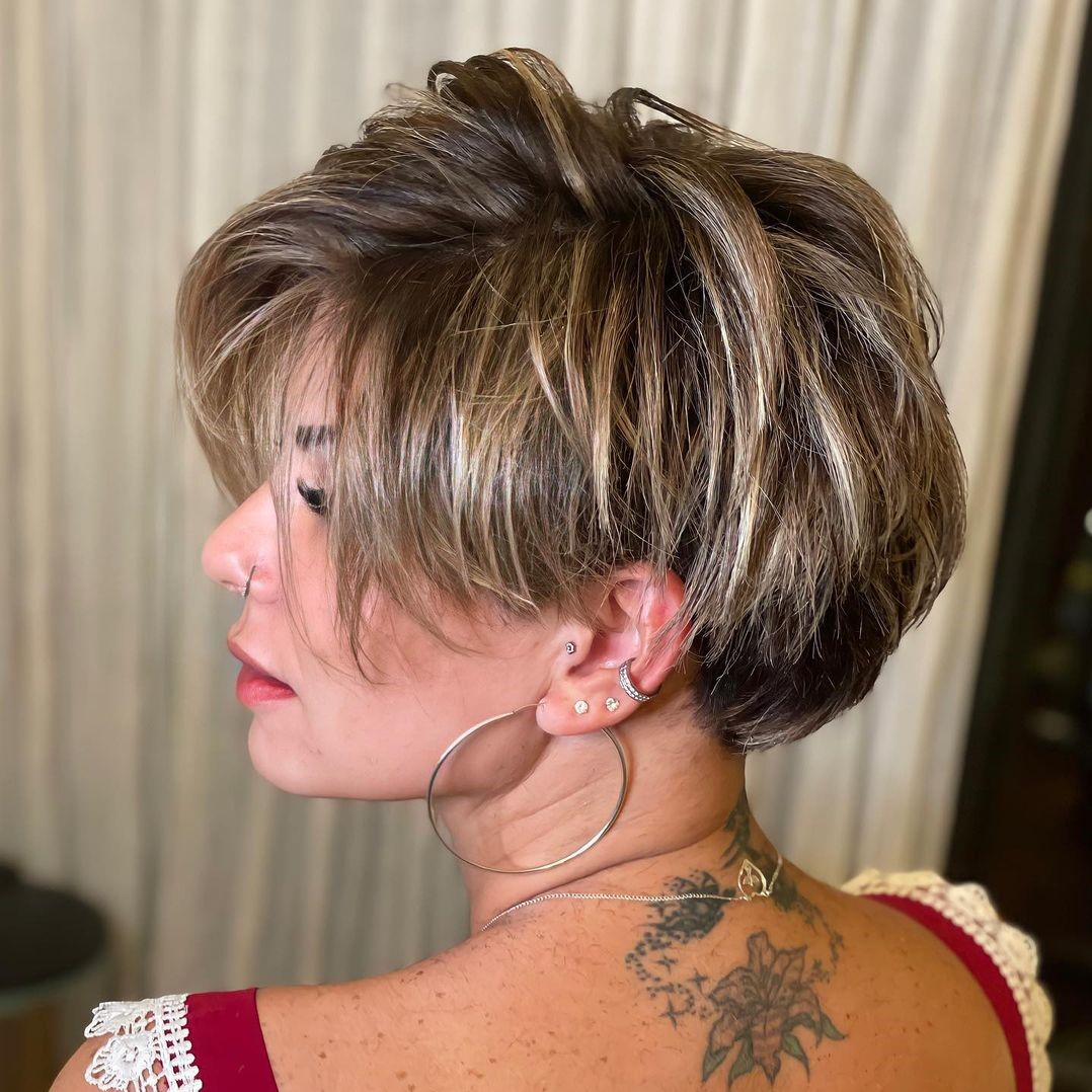 Short Thick Bob with Layers and Highlights