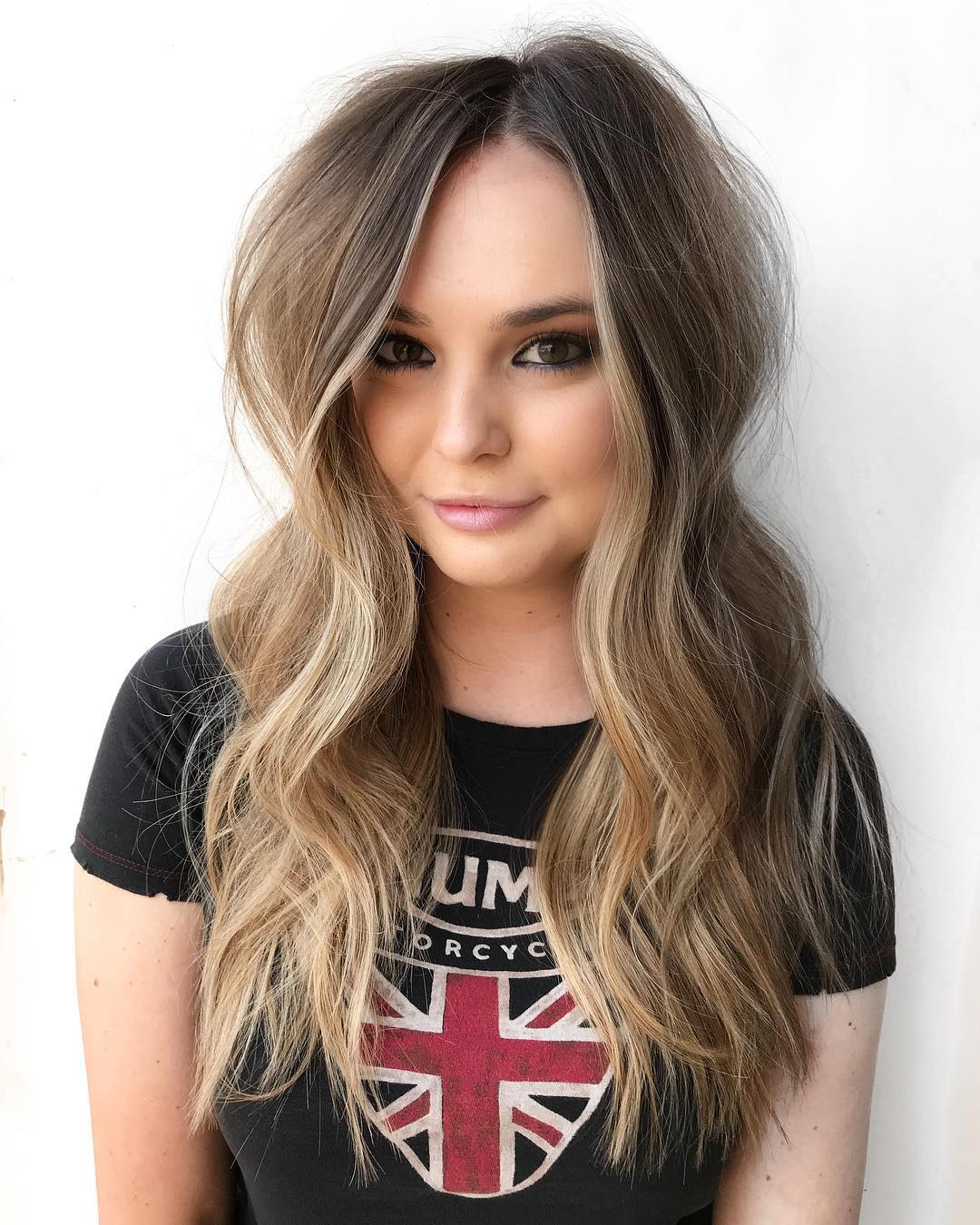 Hairstyle with Centre Part and Waves
