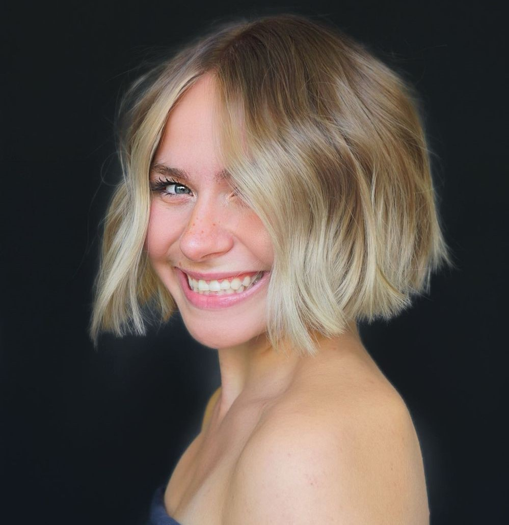 Short Layered Haircut for Round Faces