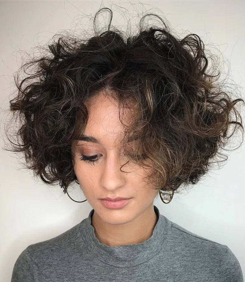 Messy Bob for Wavy Curls