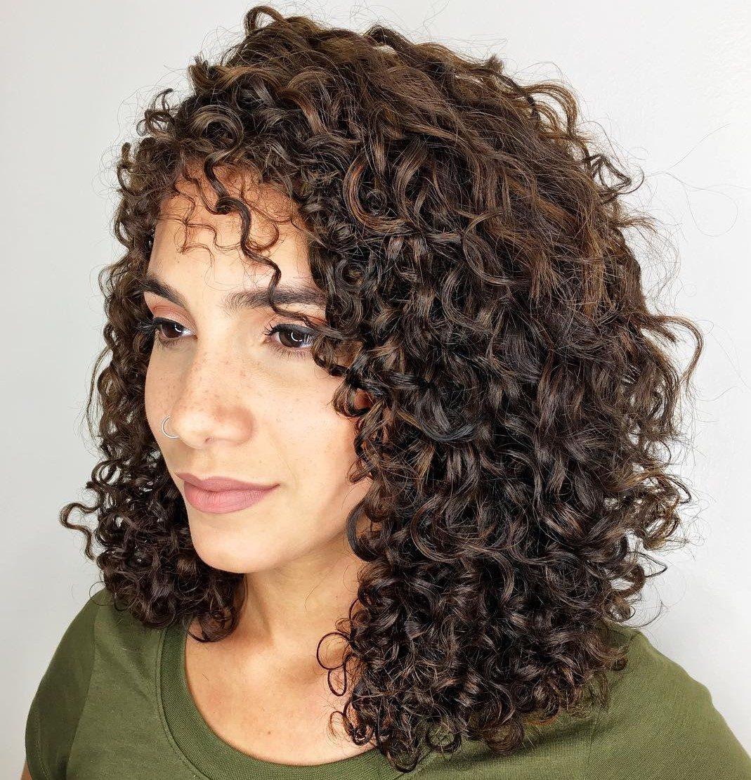 Shoulder-Length Spiral Curls