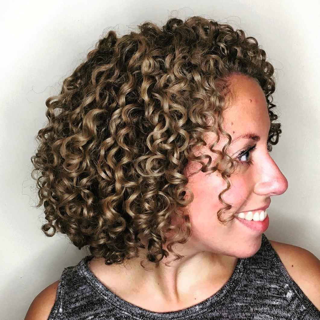 Bob with Tight Well-Defined Curls
