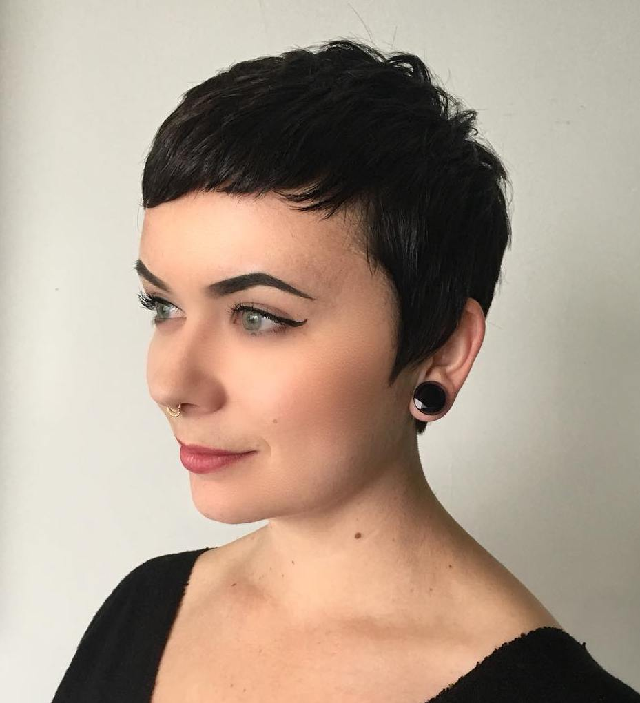 50 Short Hairstyles for Round Faces with Slimming Effect - Hadviser