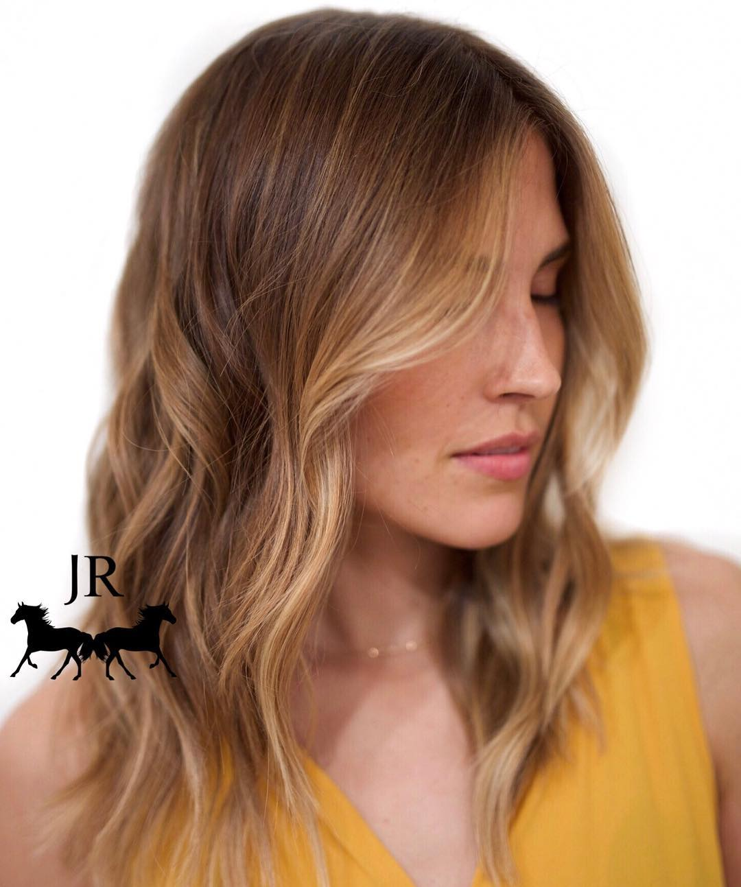 Warm Brown Hair with Face-Framing Blonde Highlights