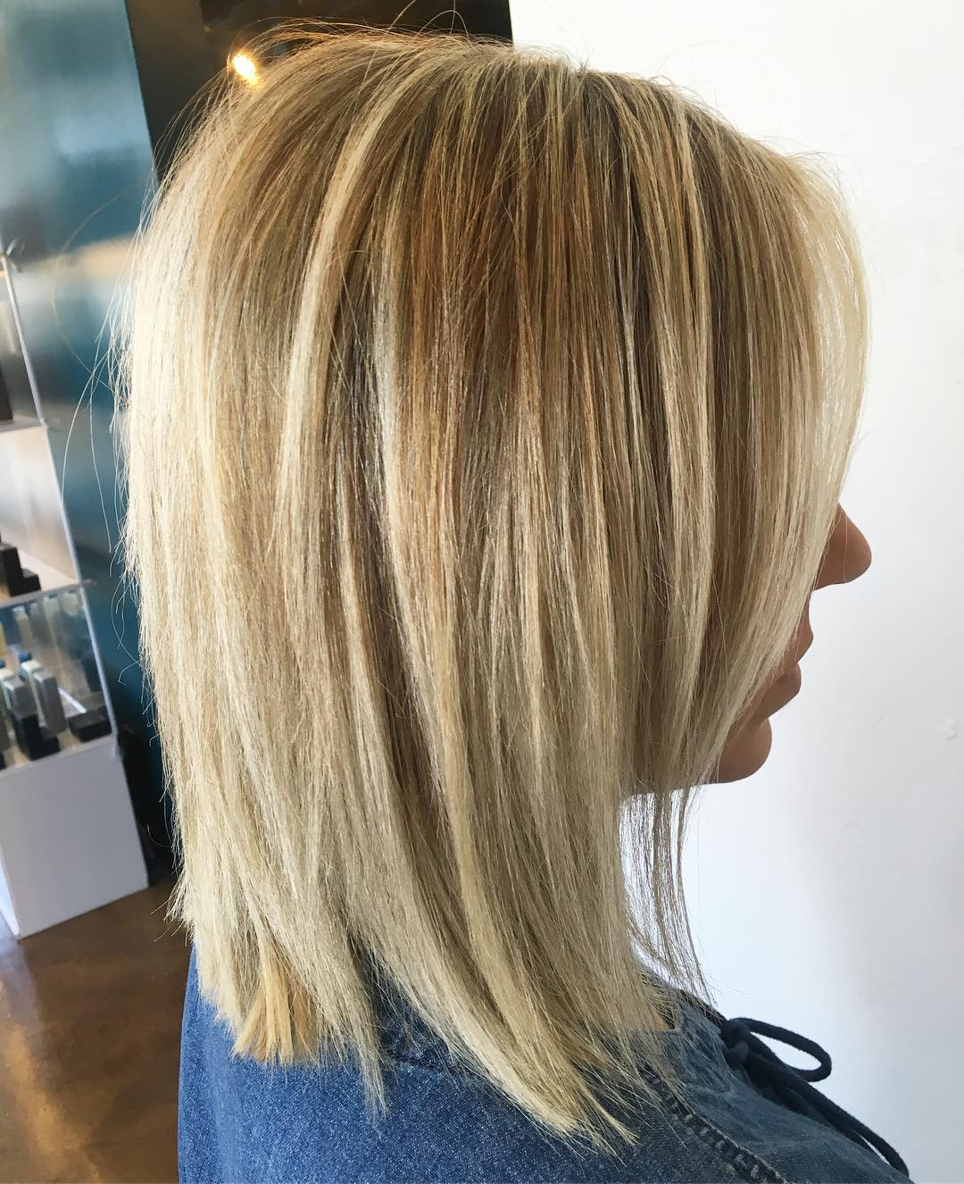 Straight Blonde Lob with Highlights