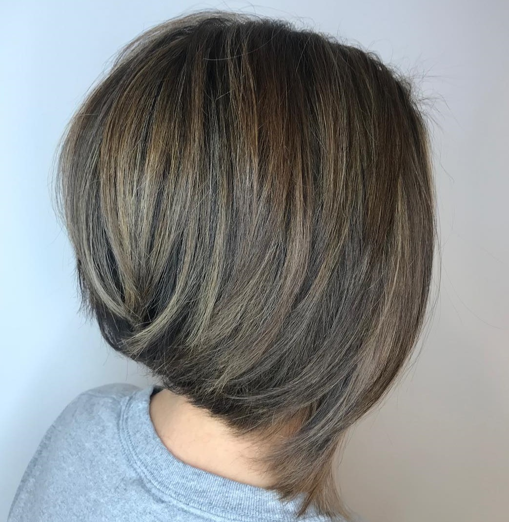 Medium Stacked Walnut Brown Bob