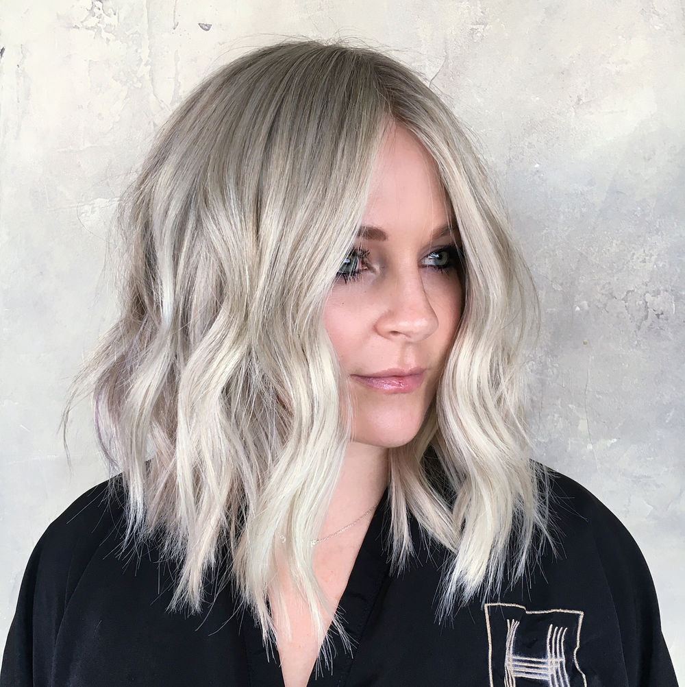 Long Wavy Platinum Bob