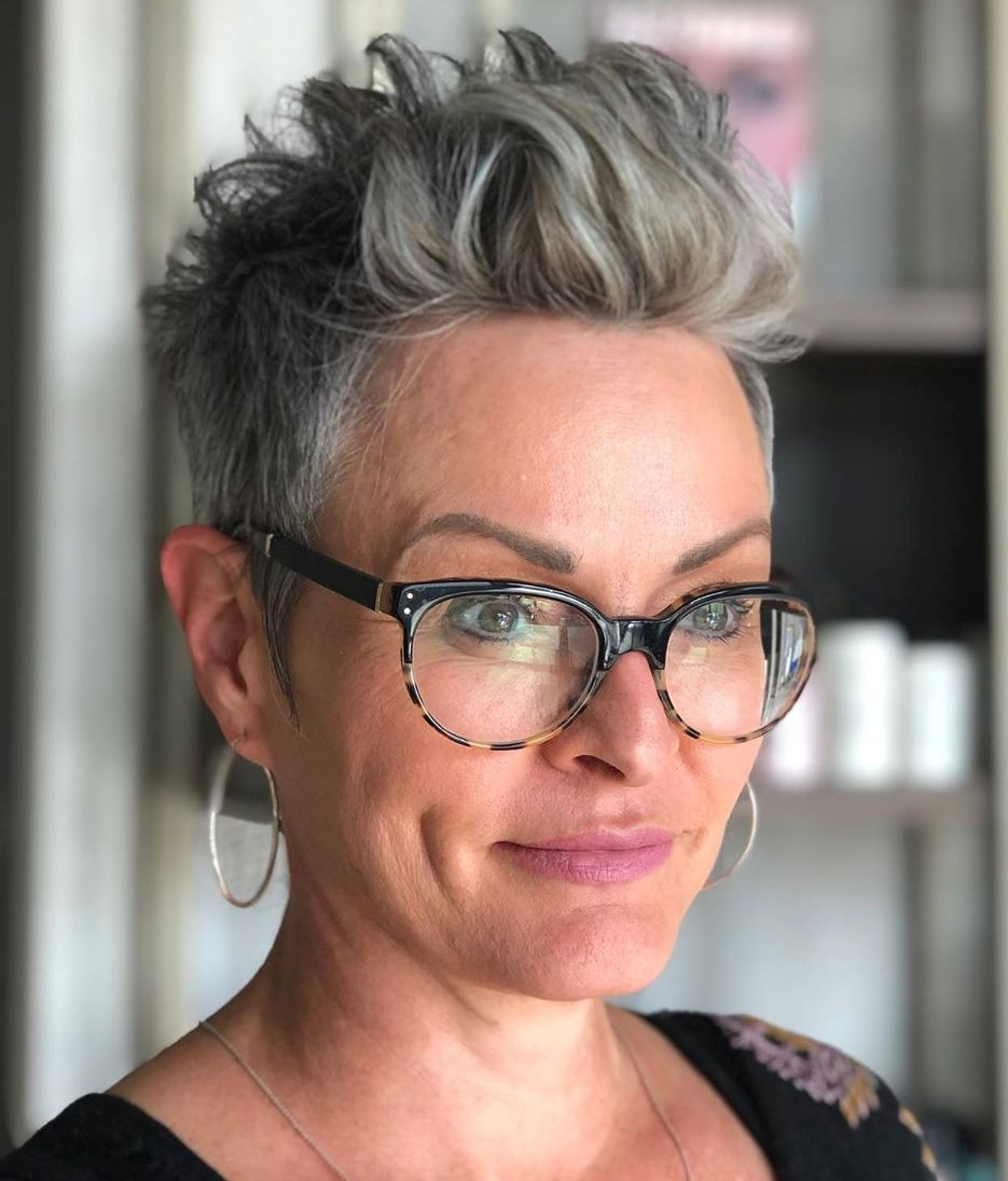 Short Hairstyle for Women with Gray Hair and Glasses