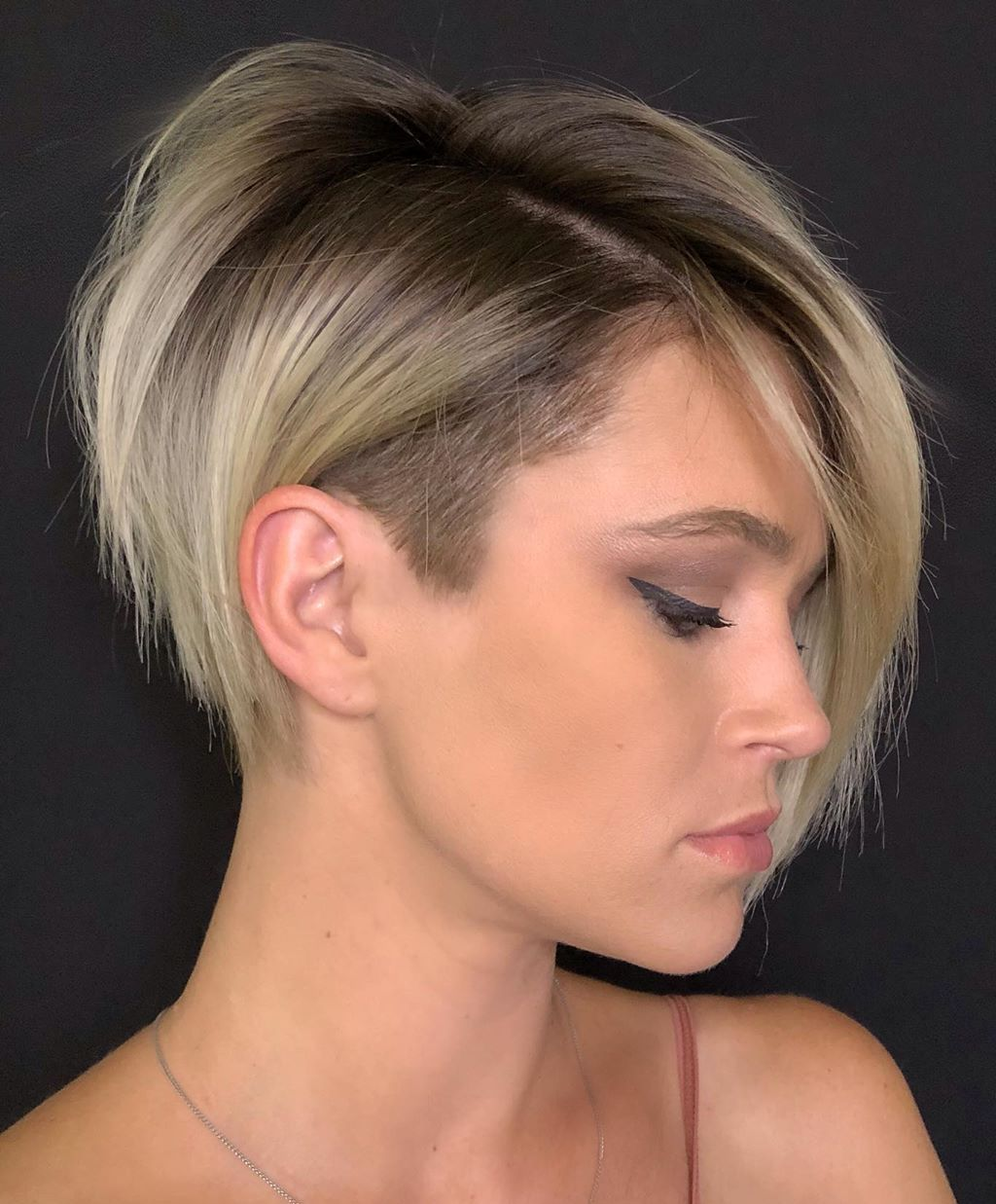 Pixie Haircut for Long Neck