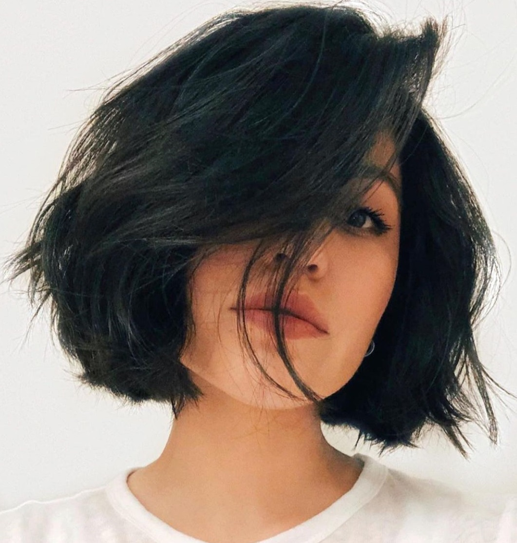 Chin-Length Bob for Oval Faces