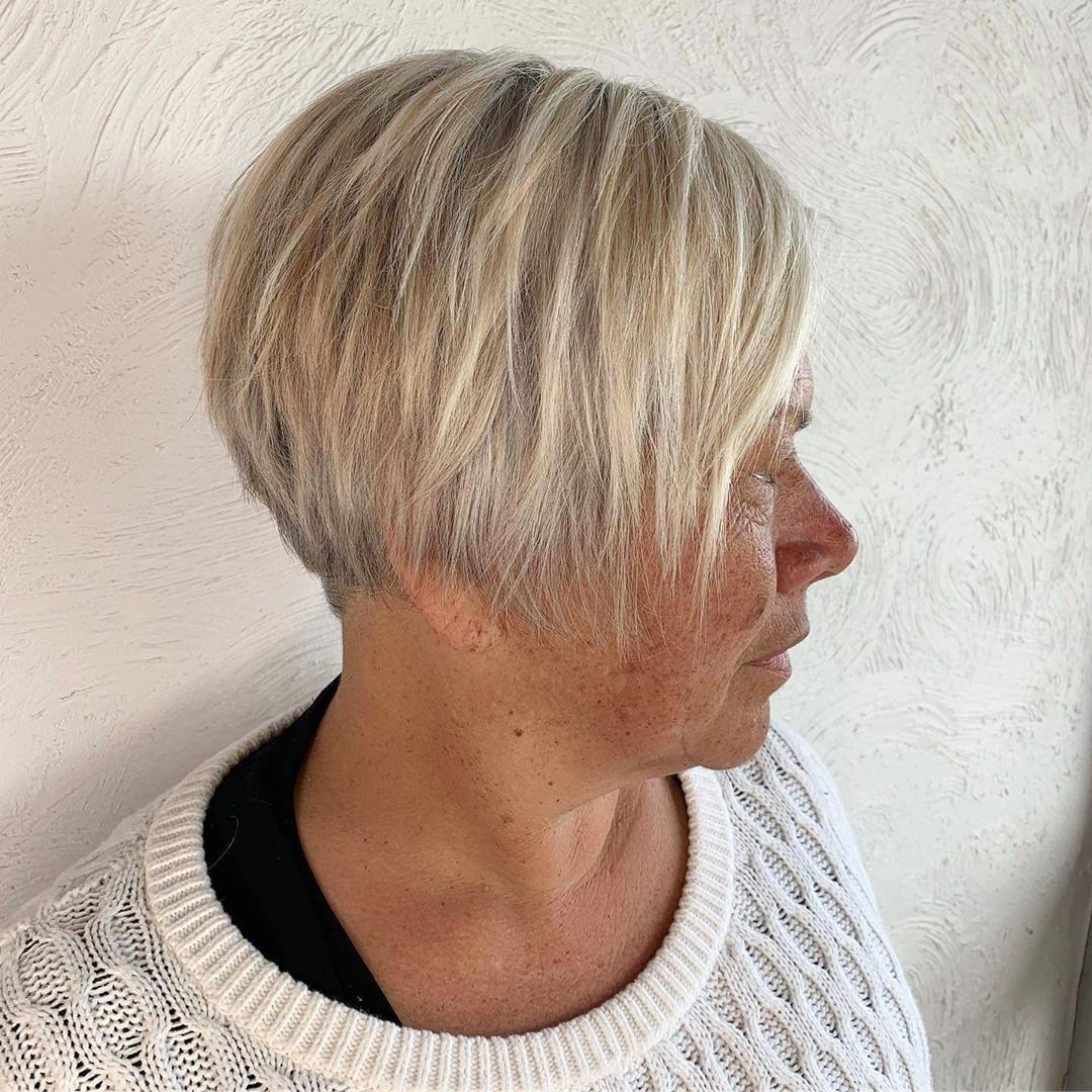 Pixie Bob with Razored Layers