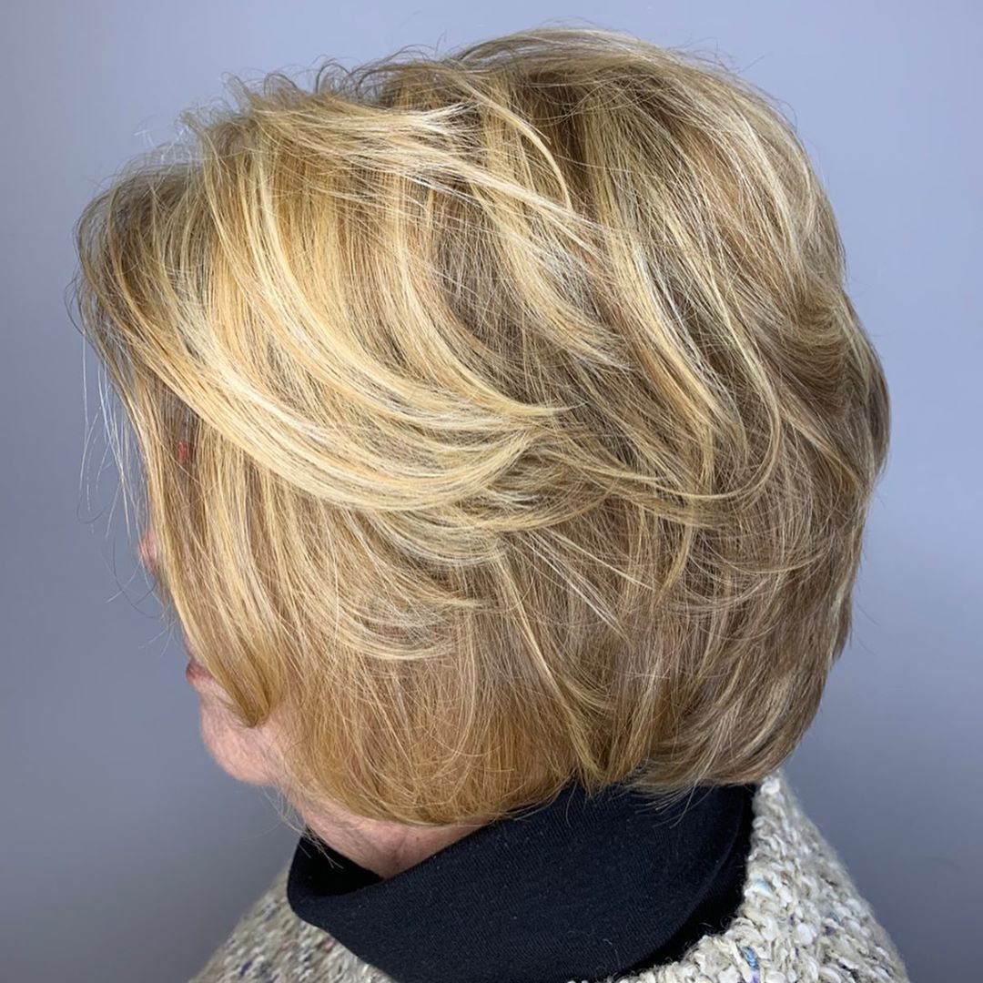 Short-to-Medium Feathered Hairstyle